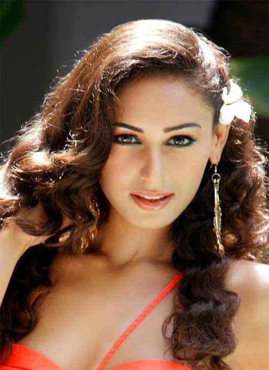 Karle Pyaar Karle Star Cast Hasleen Kaur