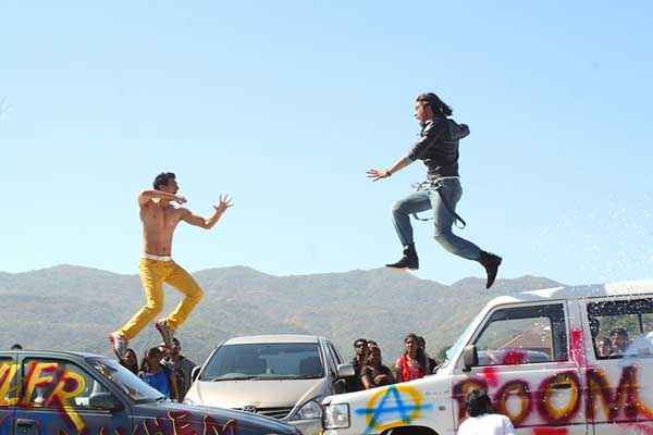Karle Pyaar Karle Fighting Scene Stills