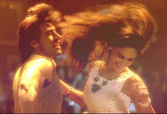 Karle Pyaar Karle Shiv Darshan Hasleen Kaur In Masti Mood Stills