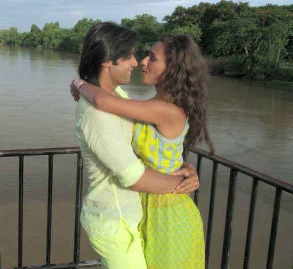 Karle Pyaar Karle Shiv Darshan Hasleen Kaur In Yellow Dress Stills