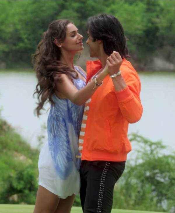 Karle Pyaar Karle Shiv Darshan Hasleen Kaur Romance Scene Stills