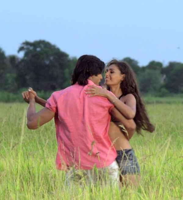Karle Pyaar Karle Shiv Darshan Hasleen Kaur Romantic Scene Stills