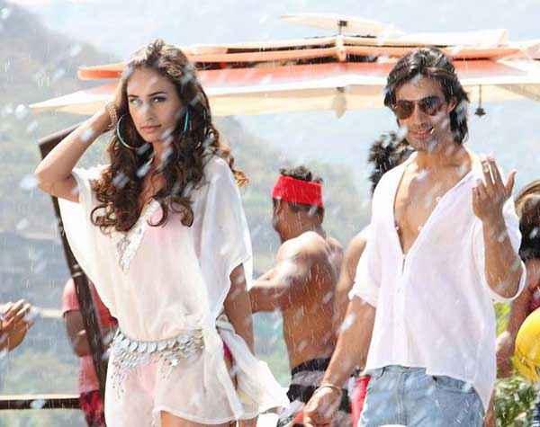 Karle Pyaar Karle Shiv Darshan Hasleen Kaur White Transparent Dress Stills