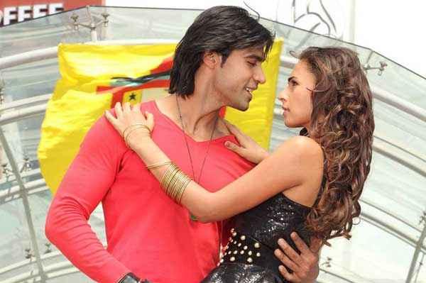 Karle Pyaar Karle Shiv Darshan In Red And Hasleen In Black Dress Stills
