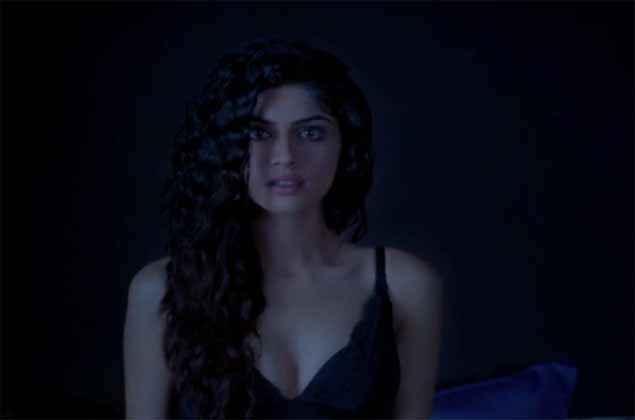 Khamoshiyan Sapna Pabbi Boobs Cleavage Stills