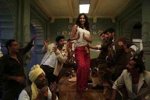 Khoobsurat 2014 Sonam Kapoor Comedy Dance On Table Stills