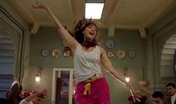Khoobsurat 2014 Sonam Kapoor Comedy Dance Stills