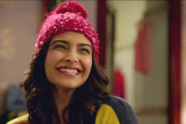 Khoobsurat 2014 Sonam Kapoor Cute Smile Stills