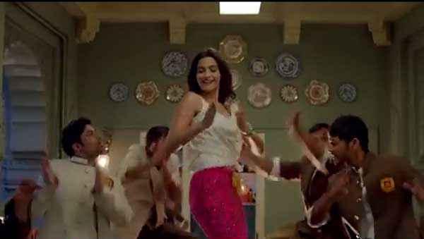 Khoobsurat 2014 Sonam Kapoor Dance Stills