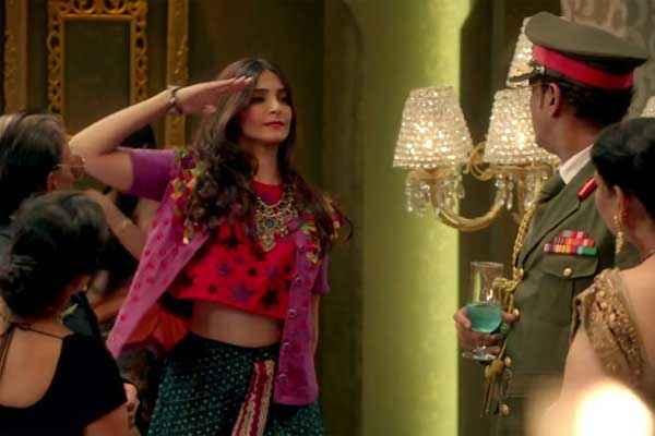 Khoobsurat 2014 Sonam Kapoor In Abhi Toh Party Shuru Hui Hai Stills