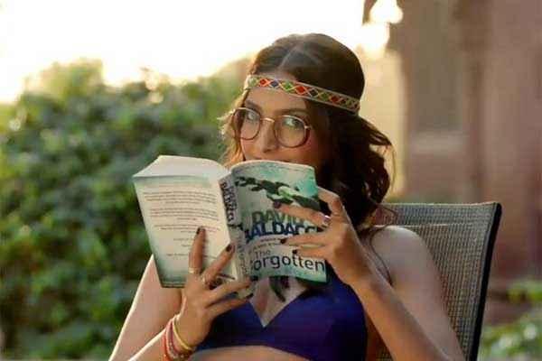 Khoobsurat 2014 Sonam Kapoor In Blue Bra Stills