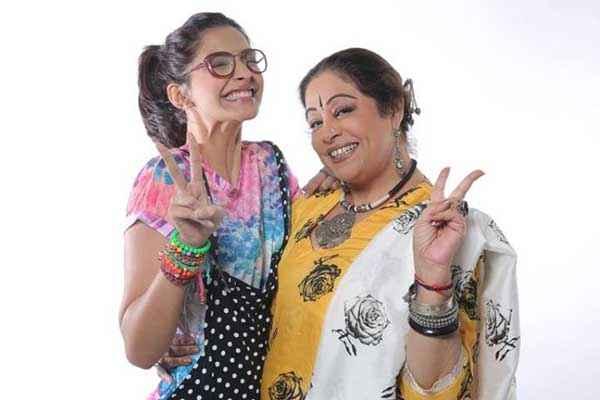 Khoobsurat 2014 Sonam Kapoor Kirron Kher Pics Stills