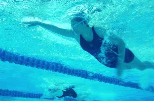 Khwaabb Simer Motiani Swiming Shoot Stills