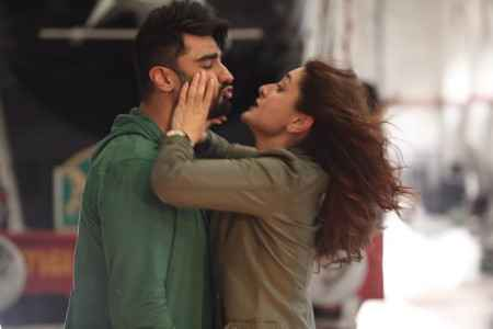 Ki And Ka Arjun Kapoor Kareena Kapoor Khan Stills