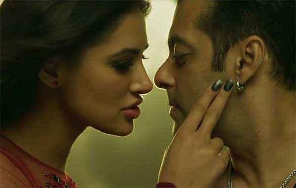 Kick Nargis Fakhri Salman Khan Romantic Pic Stills