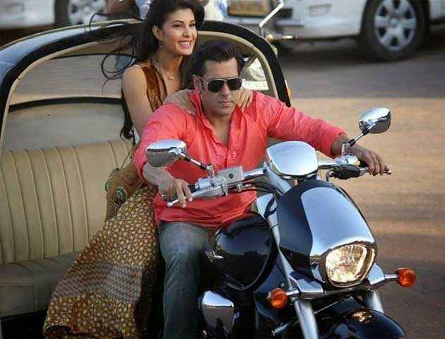 Kick Salman Khan And Jacqueline Fernandez On Bike Stills