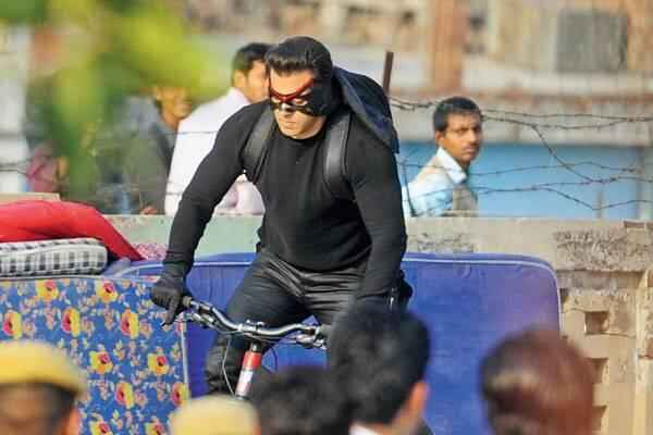 Kick Salman Khan Driving Cycle Stills