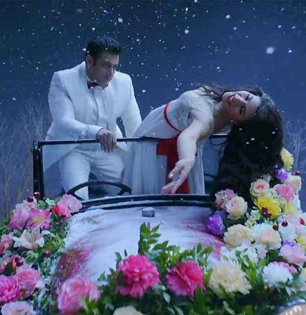 Kick Salman Khan Jacqueline White Dress Stills