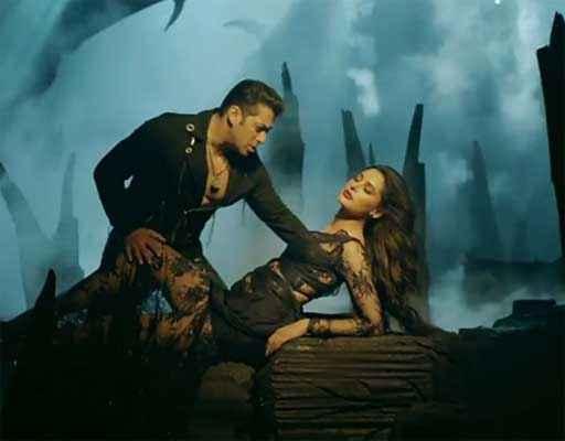 Kick Salman Khan Nargis Fakhri Romantic Scene Stills