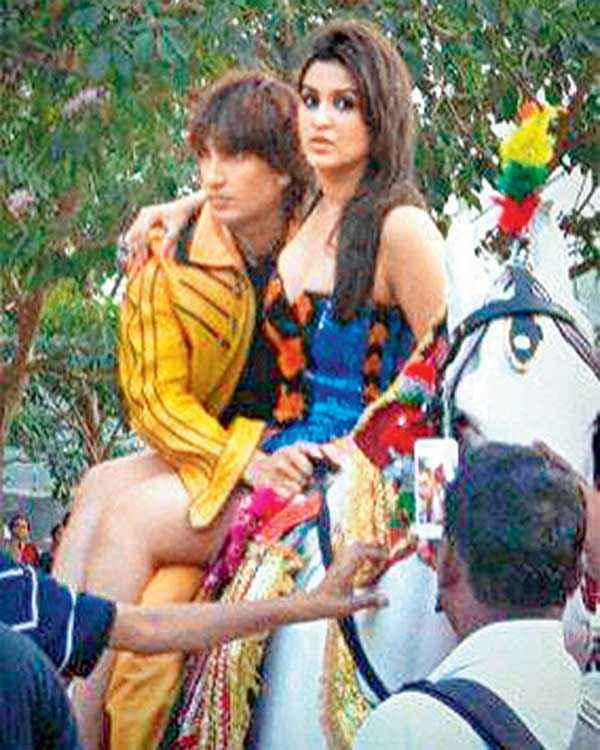 Kill Dil Ranveer Singh Parineeti Chopra On Horse Stills