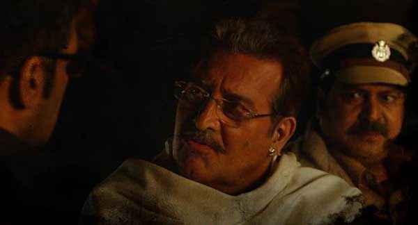 Koyelaanchal Vinod Khanna Suniel Shetty Discussing Stills