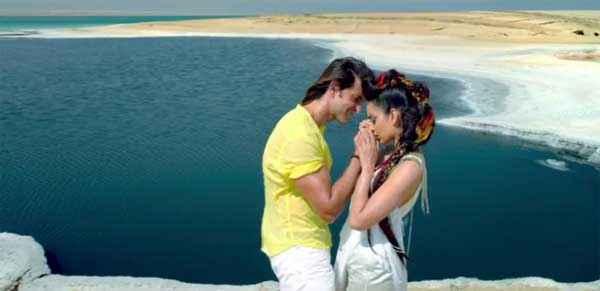 Krrish 3 Hrithik Roshan Kangana Ranaut Hand Kiss Stills