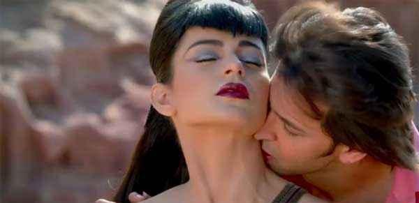 Krrish 3 Hrithik Roshan Kangana Ranaut Kiss Scene Stills