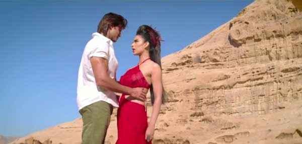 Krrish 3 Hrithik Roshan Kangana Ranaut With Red Dress Stills
