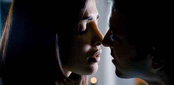 Krrish 3 Hrithik Roshan Priyanka Chopra Kiss Scene Stills