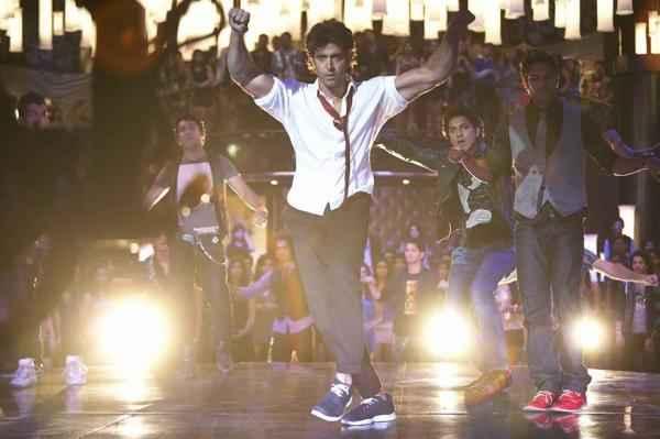 Krrish 3 Hrithik Roshan Raghupati Raghav Dance Stills