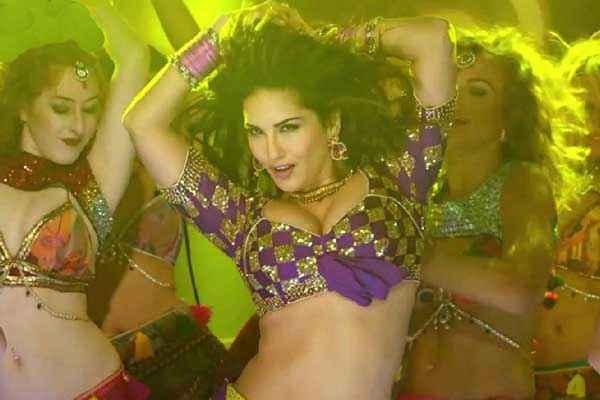 Kuch Kuch Locha Hai Sunny Leone In Paani Wala Dance Stills