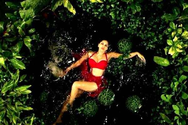 Kuch Kuch Locha Hai Sunny Leone In Red Bikini Stills