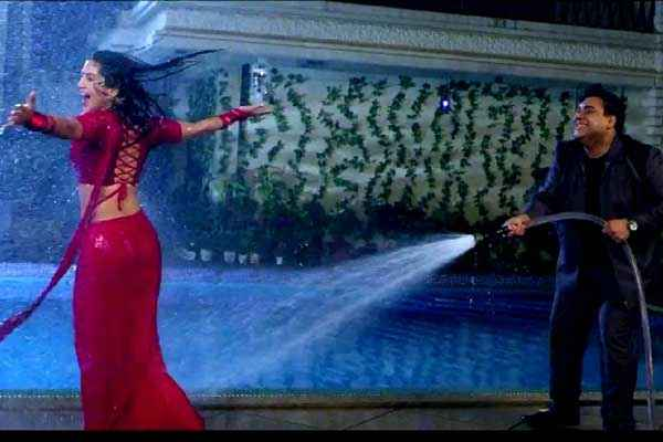 Kuch Kuch Locha Hai Sunny Leone In Red Saree Ram Kapoor Rain Scene Stills