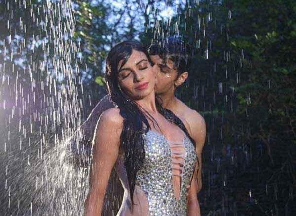 Kuku Mathur Ki Jhand Ho Gayi Siddharth Gupta Pallavi Batra Hot Scene Stills