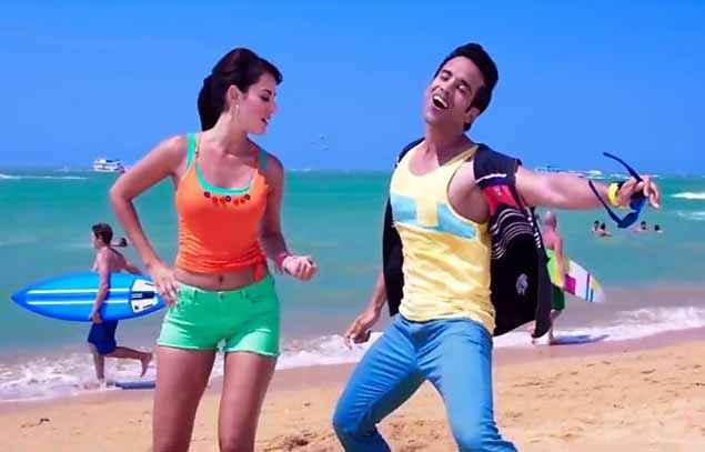 Kyaa Kool Hain Hum 3 Mandana Karimi Tusshar Kapoor Dance On Beach Stills