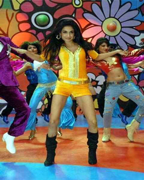 Kyaa Super Kool Hain Hum Neha Sharma Hot Dance Stills