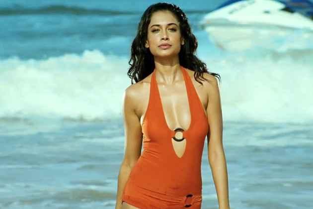Kyaa Super Kool Hain Hum Sarah Jane Dias Hot Scene Stills