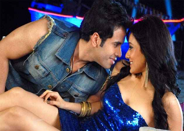 Kyaa Super Kool Hain Hum Tusshar Kapoor Neha Sharma Hot Scene Stills