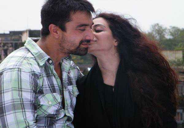 Lakeer Ka Fakeer Kiss Scene Stills