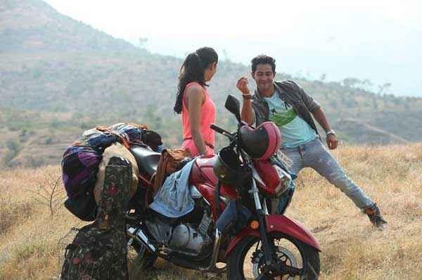Lekar Hum Deewana Dil Armaan Jain Deeksha Seth Bike And Dance Stills