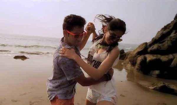 Lekar Hum Deewana Dil Armaan Jain Deeksha Seth Romance At Beach Stills