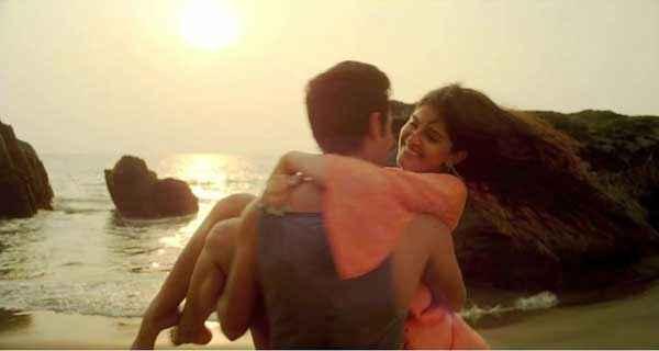 Lekar Hum Deewana Dil Armaan Jain Deeksha Seth Romance Scene At Beach Stills