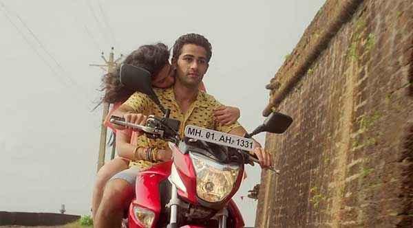 Lekar Hum Deewana Dil Deeksha Seth Kissing Armaan Jain On Bike Stills