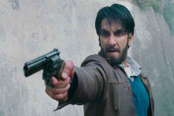 Lootera Ranveer Singh with Gun Stills