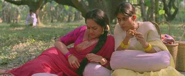 Lootera Sonakshi Sinha Bad Mood Stills