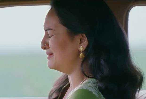 Lootera Sonakshi Sinha in Sad Scene Stills