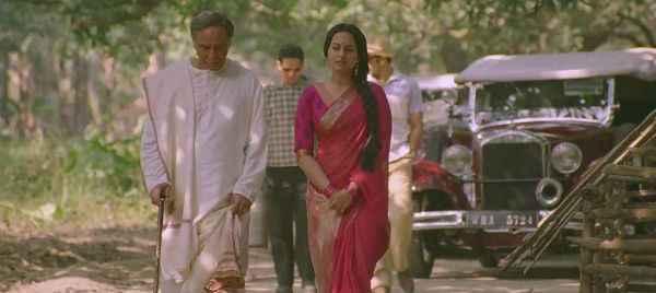 Lootera Sonakshi Sinha Walking Stills