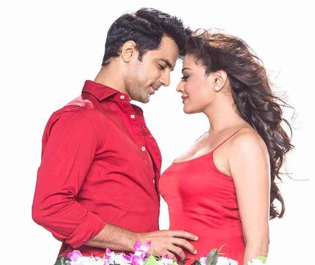 Love Shagun Anuj Sachdeva Nidhi Subbaiah Romantic Scene Stills