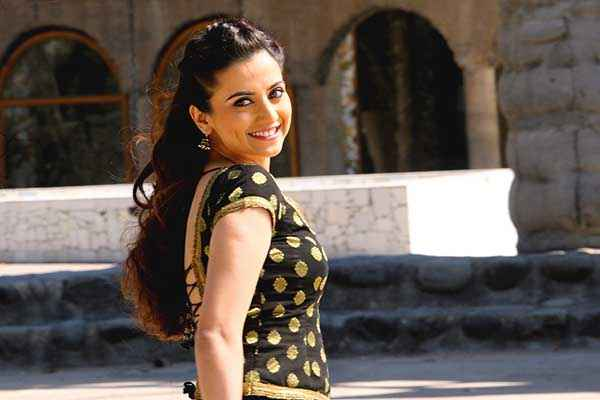 Lucky Kabootar Kulraj Randhawa HD Wallpaper Stills