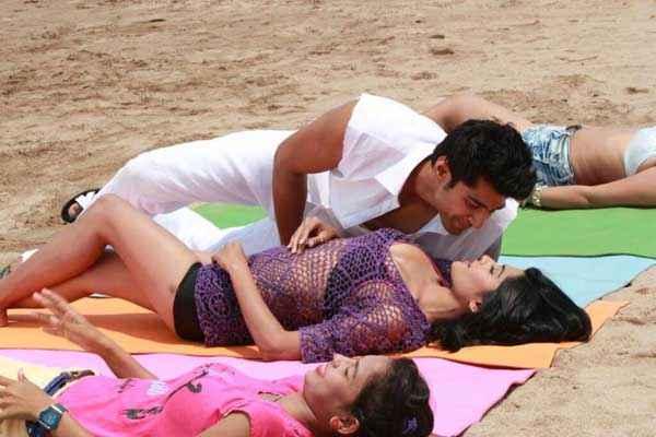 LUV Phir Kabhie Sourav Roy Vidya Malvade Romance Stills